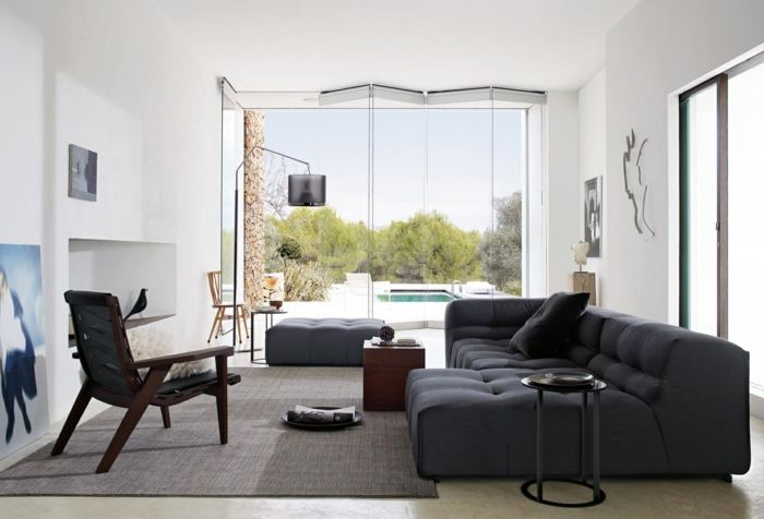 moderne-teppiche-schwarzes-sofa