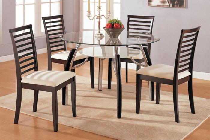 modernes-Interieur-gläserner-runder-Esstisch-Designer-Stühle-Früchte