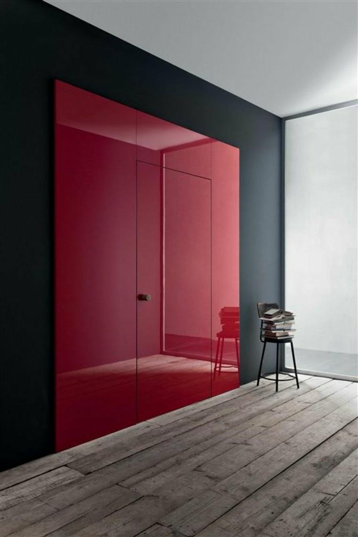 modernes-Interieur-schwarz-rote-Türen-einmaliges-Design