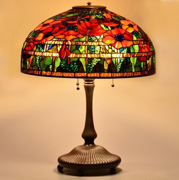 orientalische-Lampe-handgemacht-art-feines-Design-Nachttischlampe