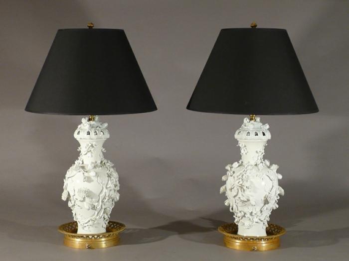 orientalische-Lampen-weißes-Porzellan-Ornamente