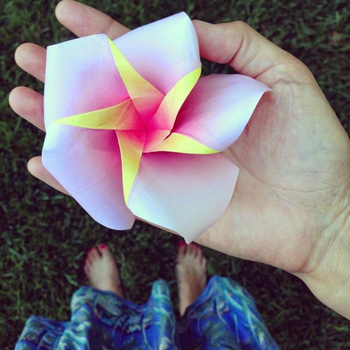 origami-blume-schöne-Farben-kreative-idee-handgemacht