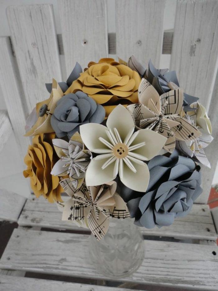 origami-blumen-Papier-Noten-Knopf-schönes-Desig-kreativ-Hochzeitsstrauß