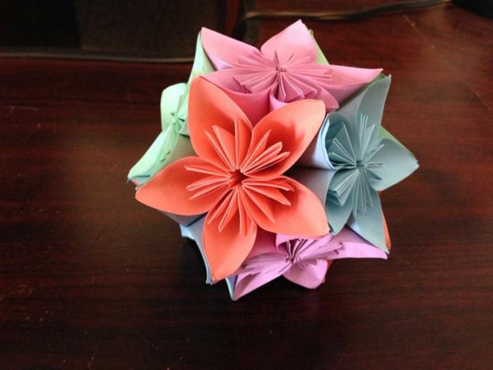 origami-kusudama-Blumen-Ball-Papier-handgemacht-kreative-Idee