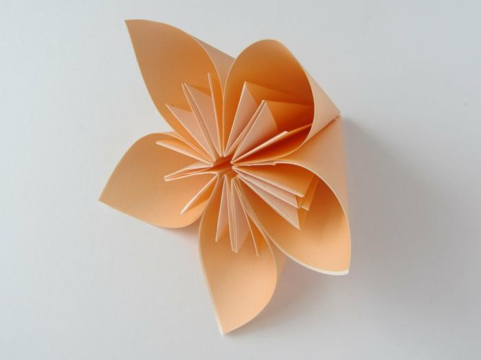 die magie der origami blume. Black Bedroom Furniture Sets. Home Design Ideas