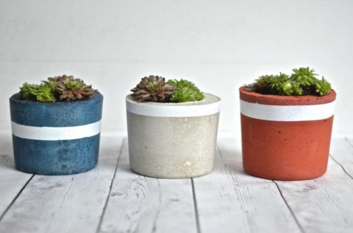 pflanzkübel-aus-beton-bunte-designs