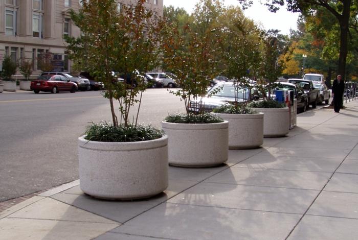 pflanzkübel-aus-beton-eine-originelle-gestastung