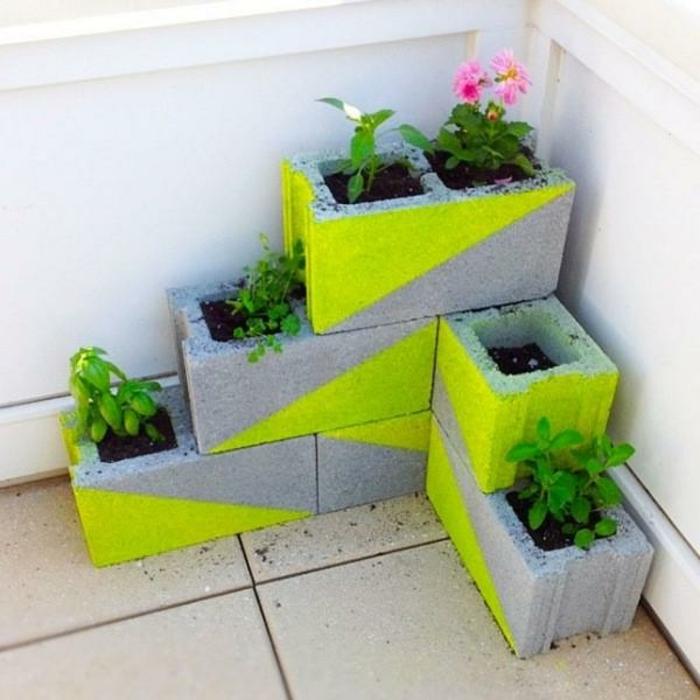 pflanzkübel-aus-beton-grüne-gestaltung
