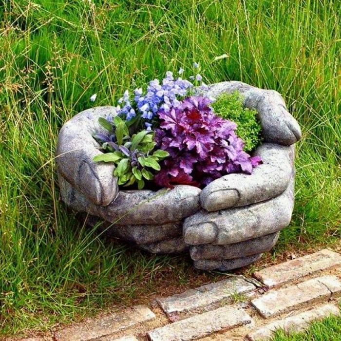 pflanzkübel-aus-beton-originell-und-schön-wirken