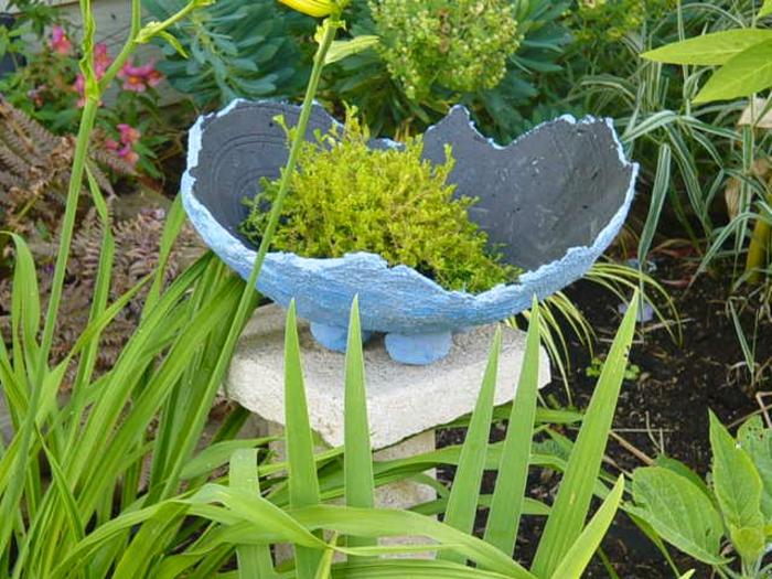 pflanzkübel-aus-beton-originelles-aussehen