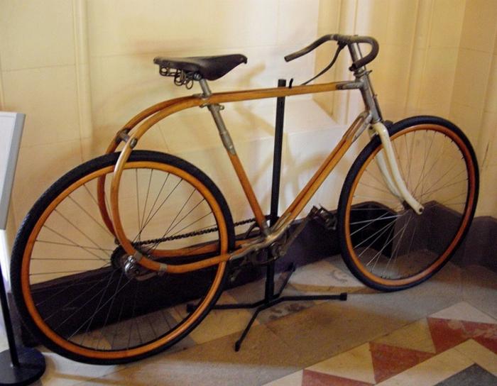 retro-vintage-Fahrrad-Bambus
