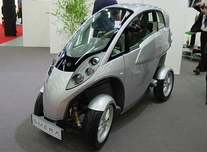 roller-mit-dach-graues-modernes-design