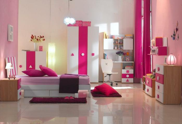 süßes-Kinderzimmer-rosa-weiß-Möbel-Set-Kliederschrank-Kommode-Schubladen-Vorhänge-Zyklamen-Farbe-rosa-Wände