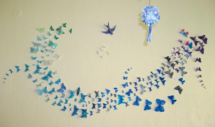 schmetterlinge-deko-blaue-akzente-an-der-wand