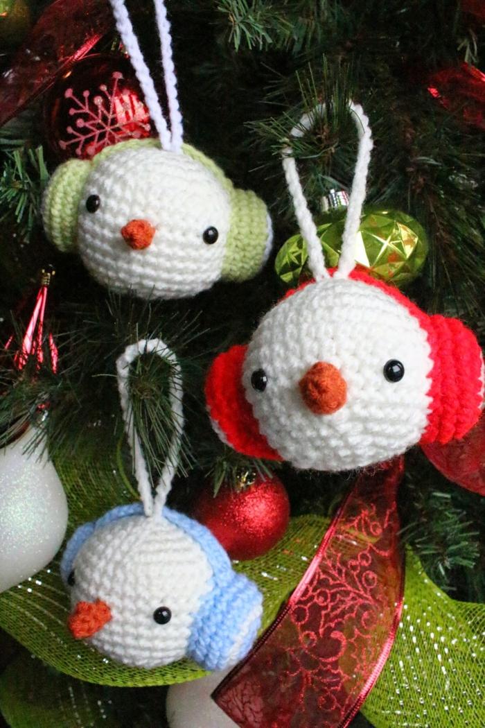 schneemann-häkeln-weihnachtsbild-einmaliges-ambiente