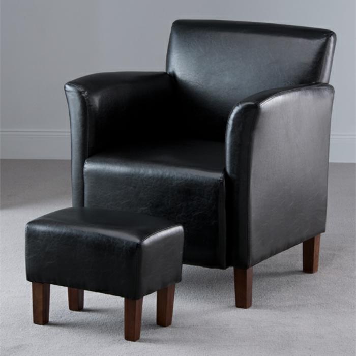 sessel-in-schwarz-design-mit-hocker