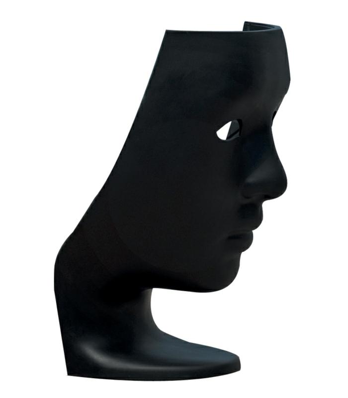 sessel-in-schwarz-super-extravagantes-modell