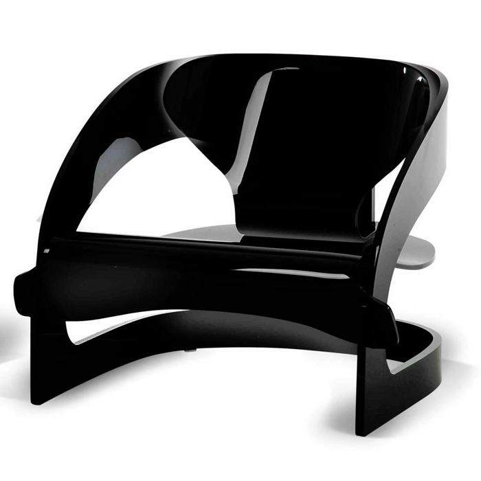 sessel-in-schwarz-weißer-hintergrund-interessantes-foto
