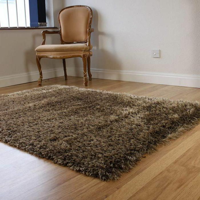 shaggy-teppich-braune-ausstattung