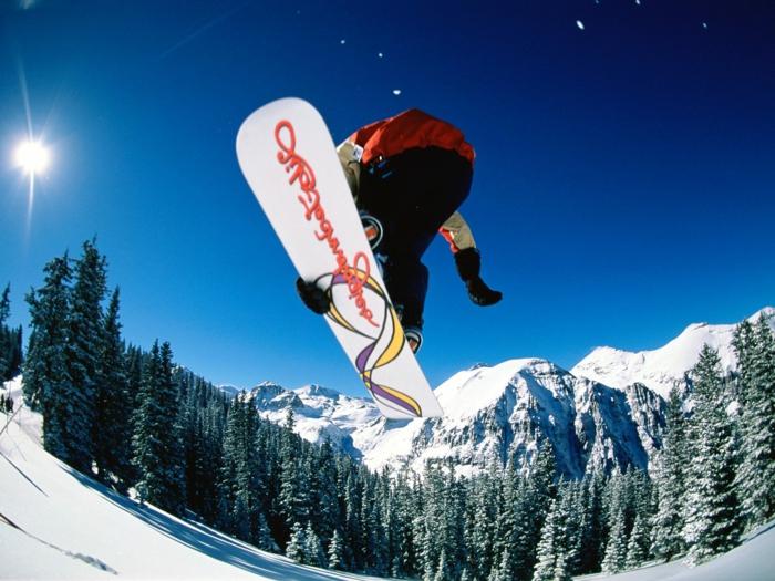snowboard-wallpaper-foto-von-unten-genommen