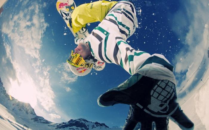 snowboard-wallpaper-super-lustiges-foto-von-unten-genommen