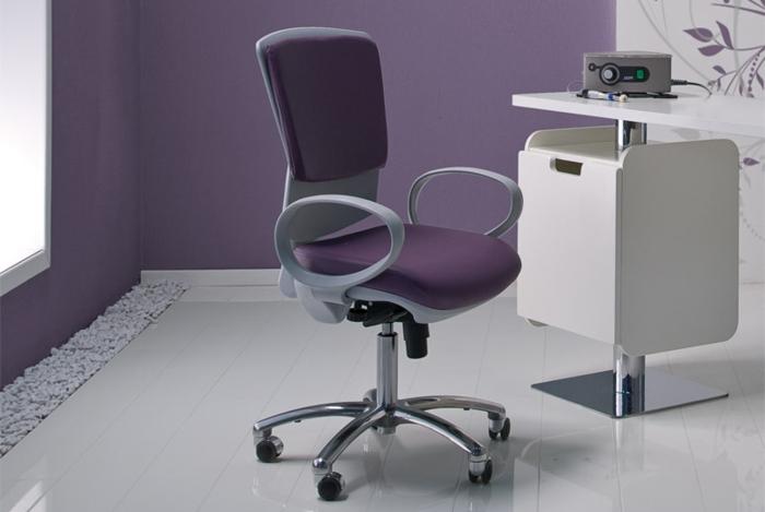 stühle-mit-ablehne-büro-einrichten