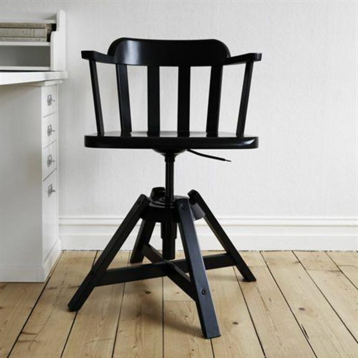 stühle-mit-ablehne-hölzernes-traditionelles-modell