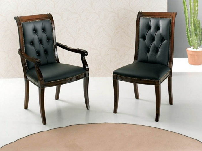 aristokratische gestaltung - schwarze stühle mit ablehne