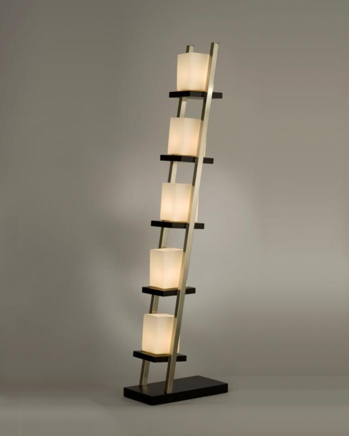 stehlampe-aus-papier-auffälliges-modell