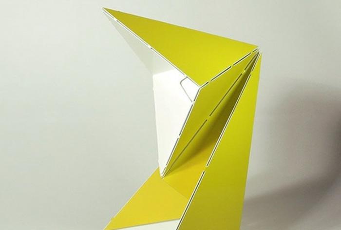 stehlampe-aus-papier-extravagantes-grünes-design