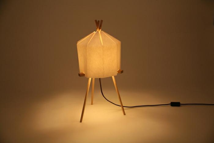 stehlampe-aus-papier-ganz-süßes-aussehen
