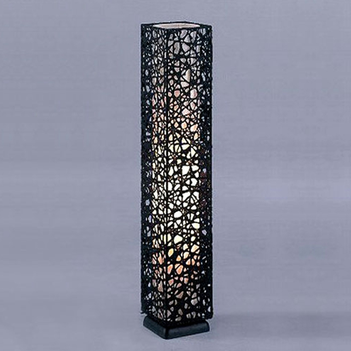 stehlampe-aus-papier-modell-in-schwarz