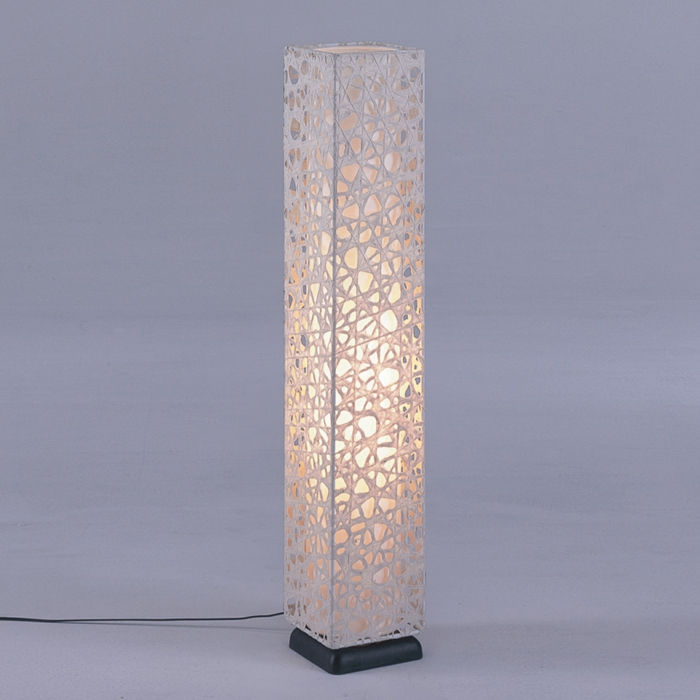 stehlampe-aus-papier-modell-in-weiß
