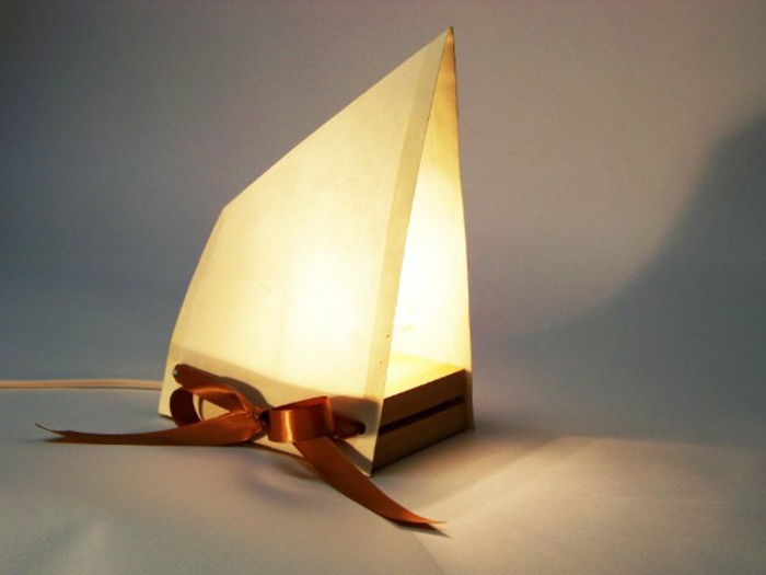 stehlampe-aus-papier-super-tolles-modell-super-design