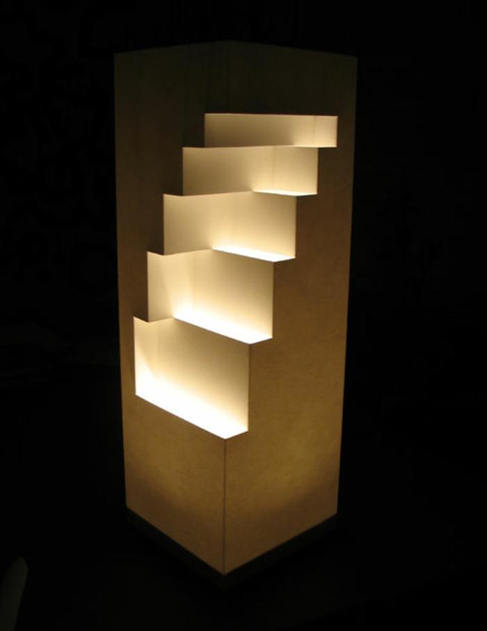 stehlampe-aus-papier-wie-treppen-aussehen