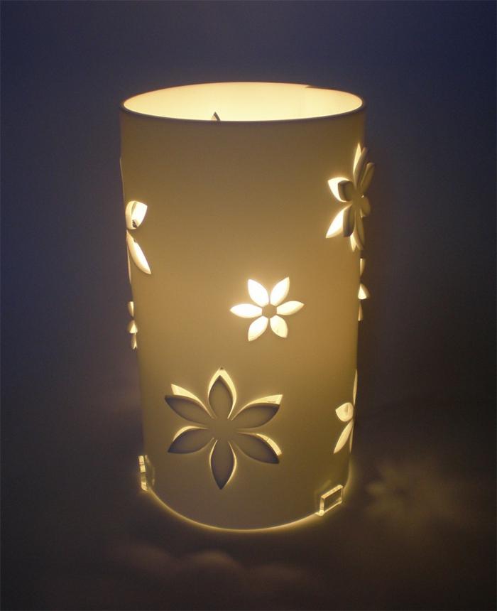 stehlampe-aus-papier-wunderschönes-modell