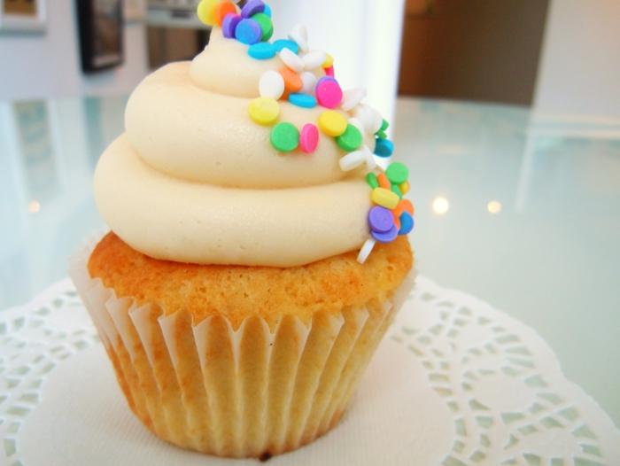 super-suß-Cucpcake-Vanille-Creme-Sprinkles