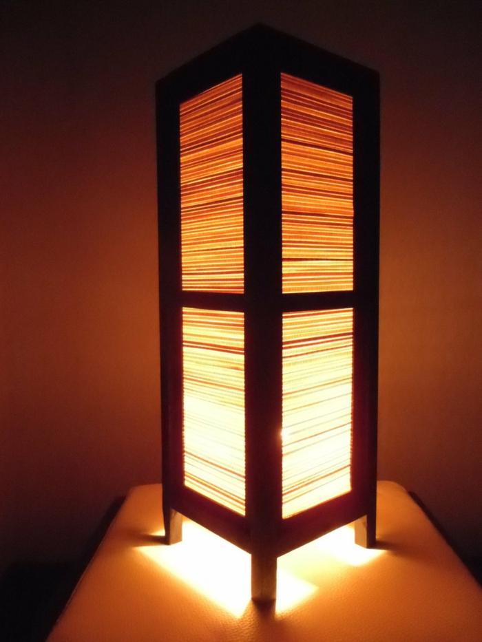 thailändische-hölzerne-Lampe-asiatisch-exotisch-ze-art-Nachttischlampe
