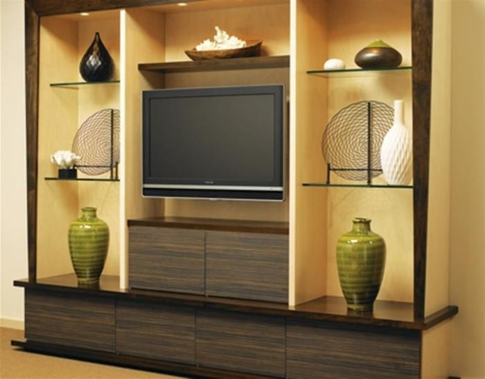 tv-wandschrank-goldene-farbe