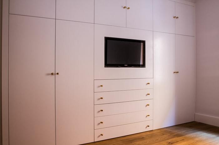 tv- wandschrank-weiße-farbe