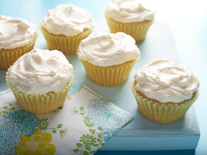 hausgemachte-Cupcakes-Vanille-Creme