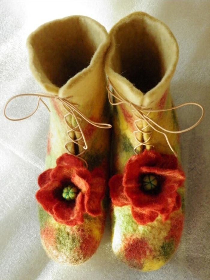 verfilzte-Hausschuhe-Damen-Poppies-Wolle