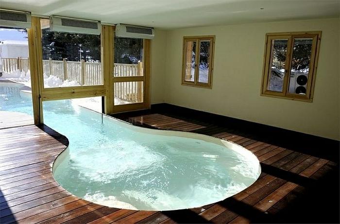 verrückte-wohnideen-pool-mit-interessanter-form