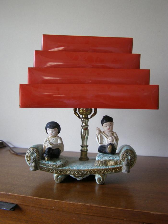 vintage-Nachttischlampe-asiatische-Figuren-Porzellan