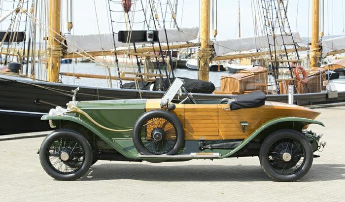 vintage-auto-1914-rolls-royce-resized