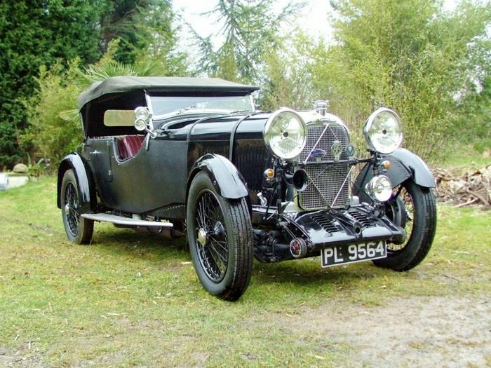 vintage-auto-lagonda-resized
