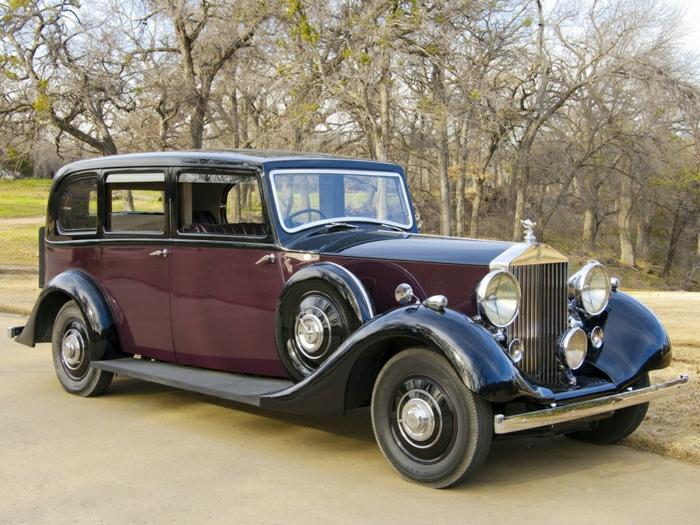 vintage-auto-rolls-royce-dunkel-rot-resized