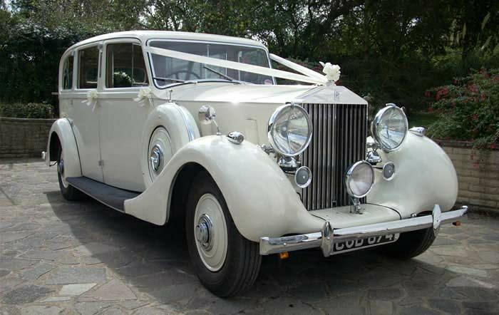 vintage-auto-rolls-royce-für-hochzei-resized