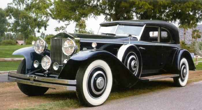 vintage-auto-rolls-royce-in-weiß-schwarz-resized