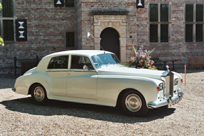 vintage-auto-rolls-royce-silber--1963
